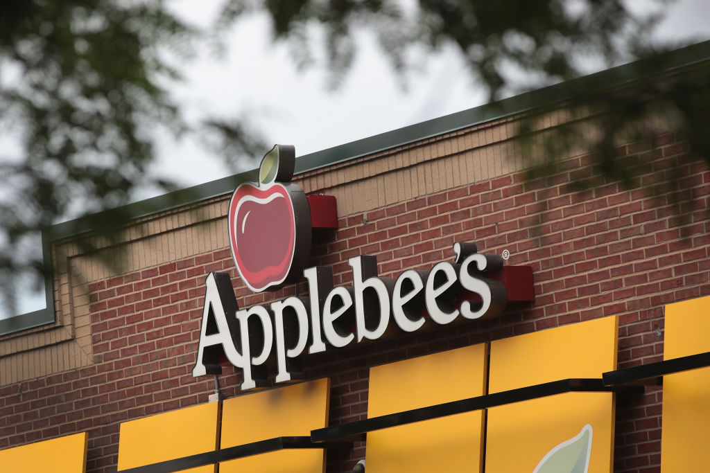 CHICAGO, IL - AUGUST 10:  An Applebee's restaurant serves customers on August 10, 2017 in Chicago, Illinois. DineEquity, the parent company of Applebee's and IHOP, plans to close up to 160 restaurants in the first quarter of 2018. The announcement helped the stock climb more than 4 percent today.  (Photo by Scott Olson/Getty Images)