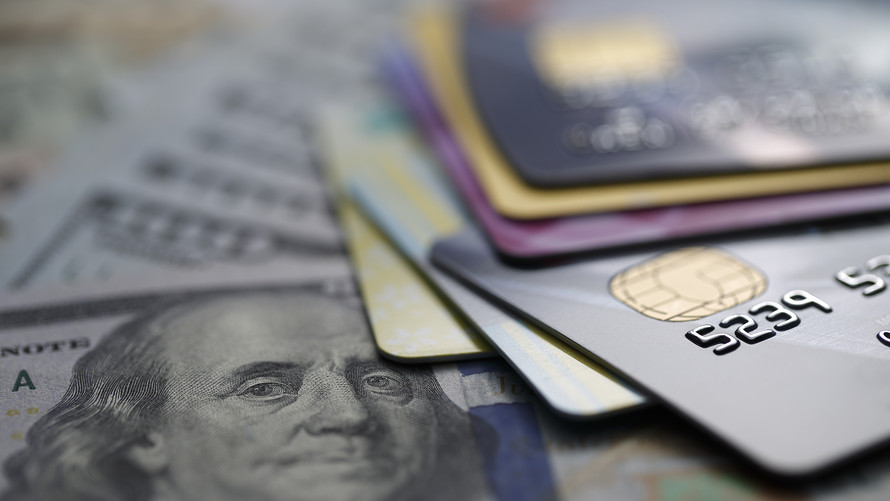 How to Deal with Credit Cards in Case Average Debt Hit 4 Trillion?