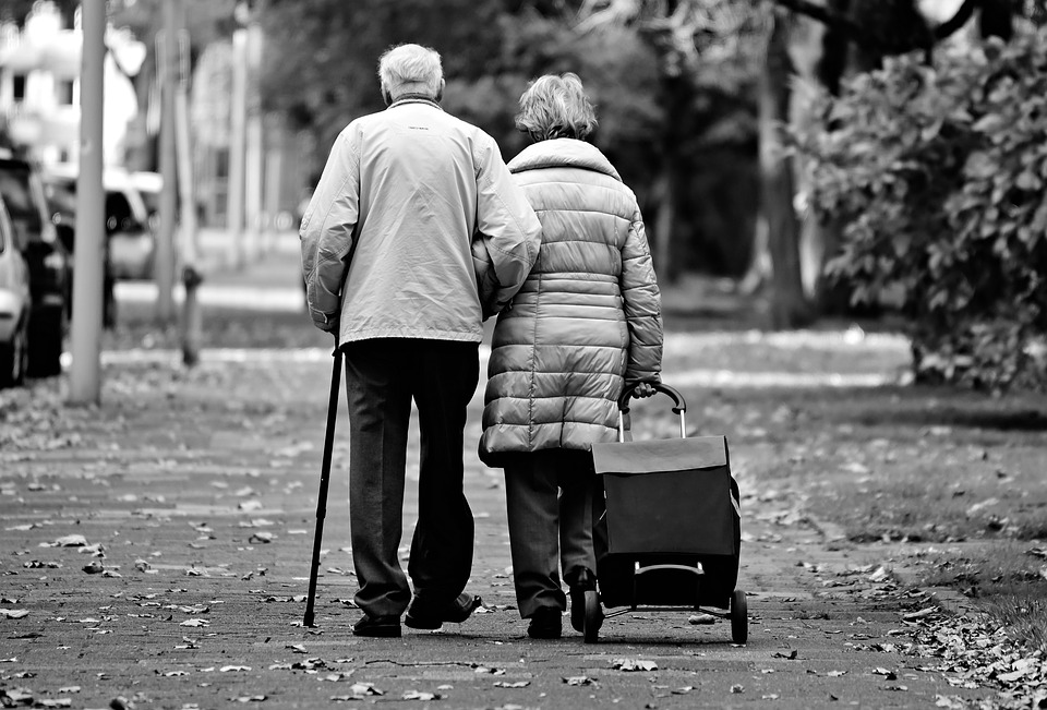 Fears of an Elderly Person: How to Help them Cope with their Fears Easily