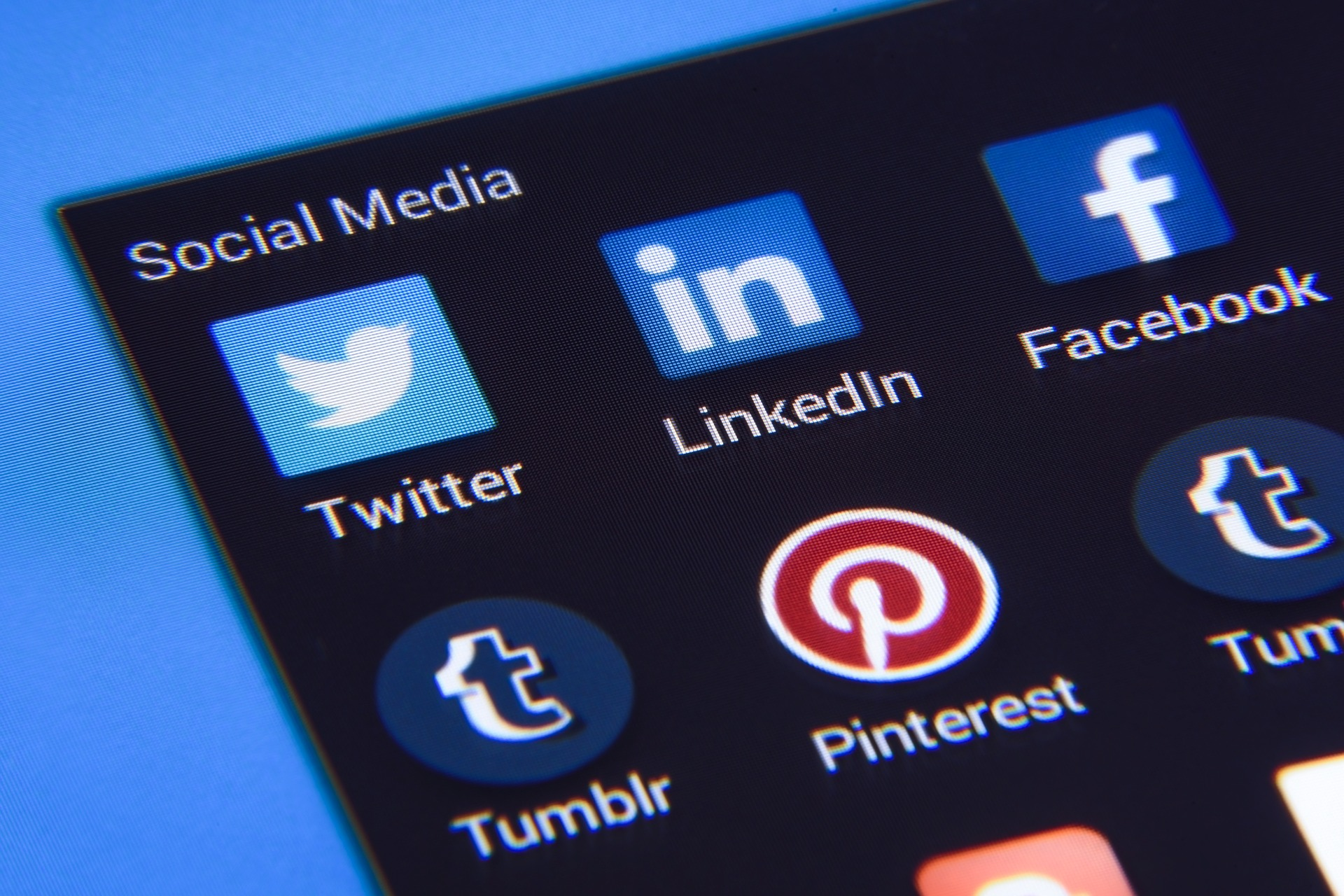 Use Smart Tools to Boost Your Social Media Marketing!