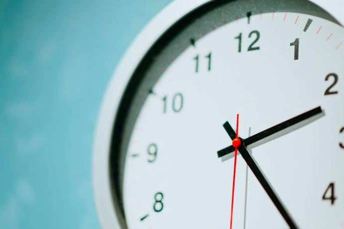 How Daylight Savings Time Contributes to Stress and Burnout