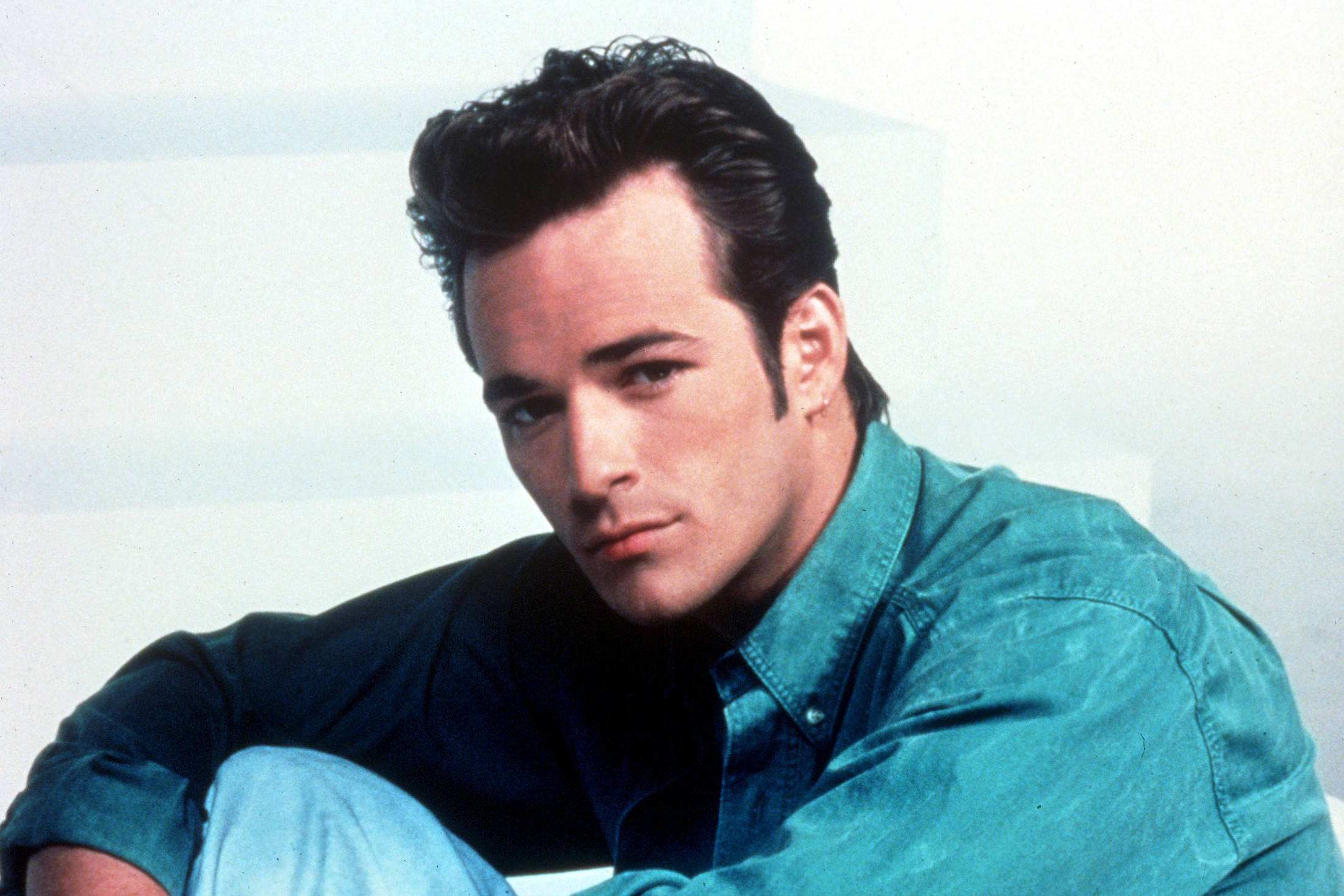 Editorial use only Mandatory Credit: Photo by Snap/REX/Shutterstock (390866dw) FILM STILLS OF 'BEVERLY HILLS, 90210 - TV' WITH 1991, LUKE PERRY IN 1991 VARIOUS