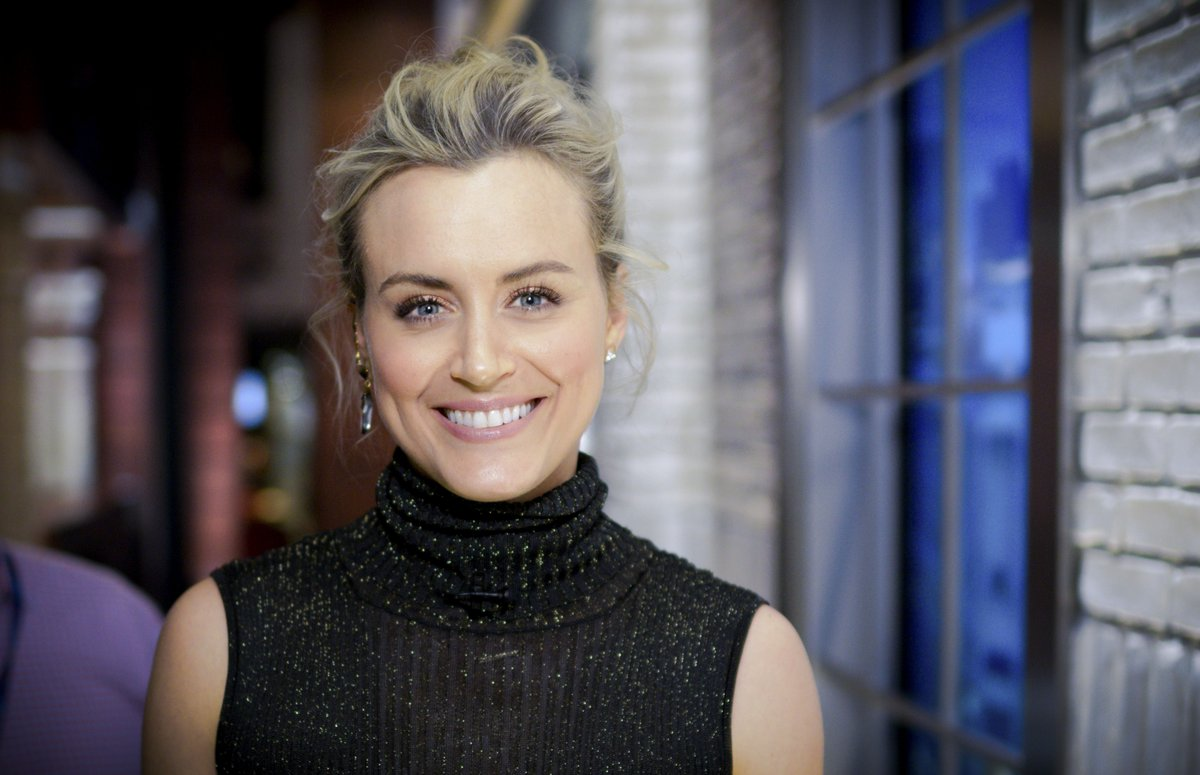 Taylor schilling movie family