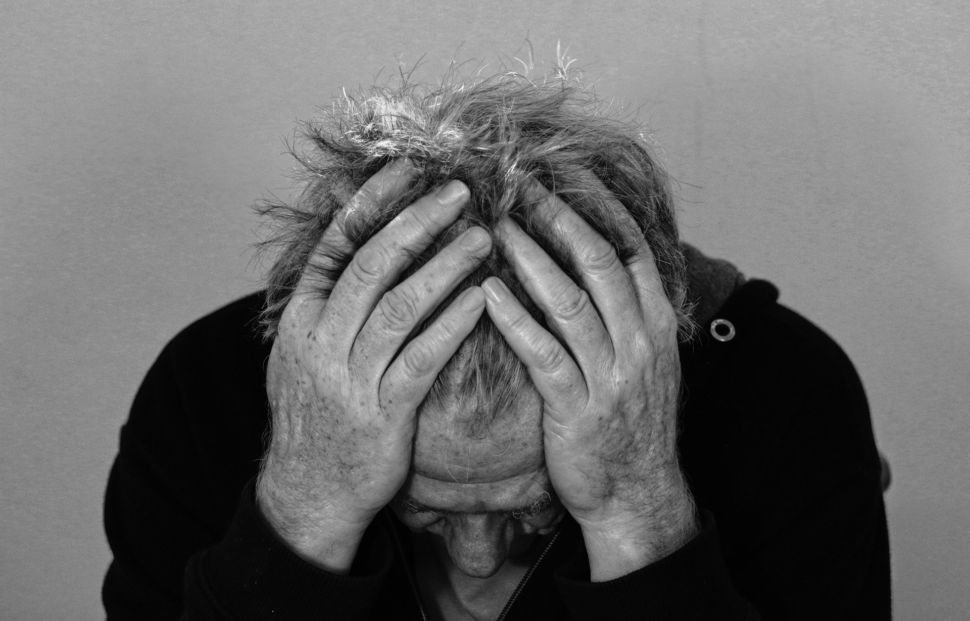 Depression affects millions of people around the world, because of this learning strategies to avoid the disorder and depressive symptoms is important.
