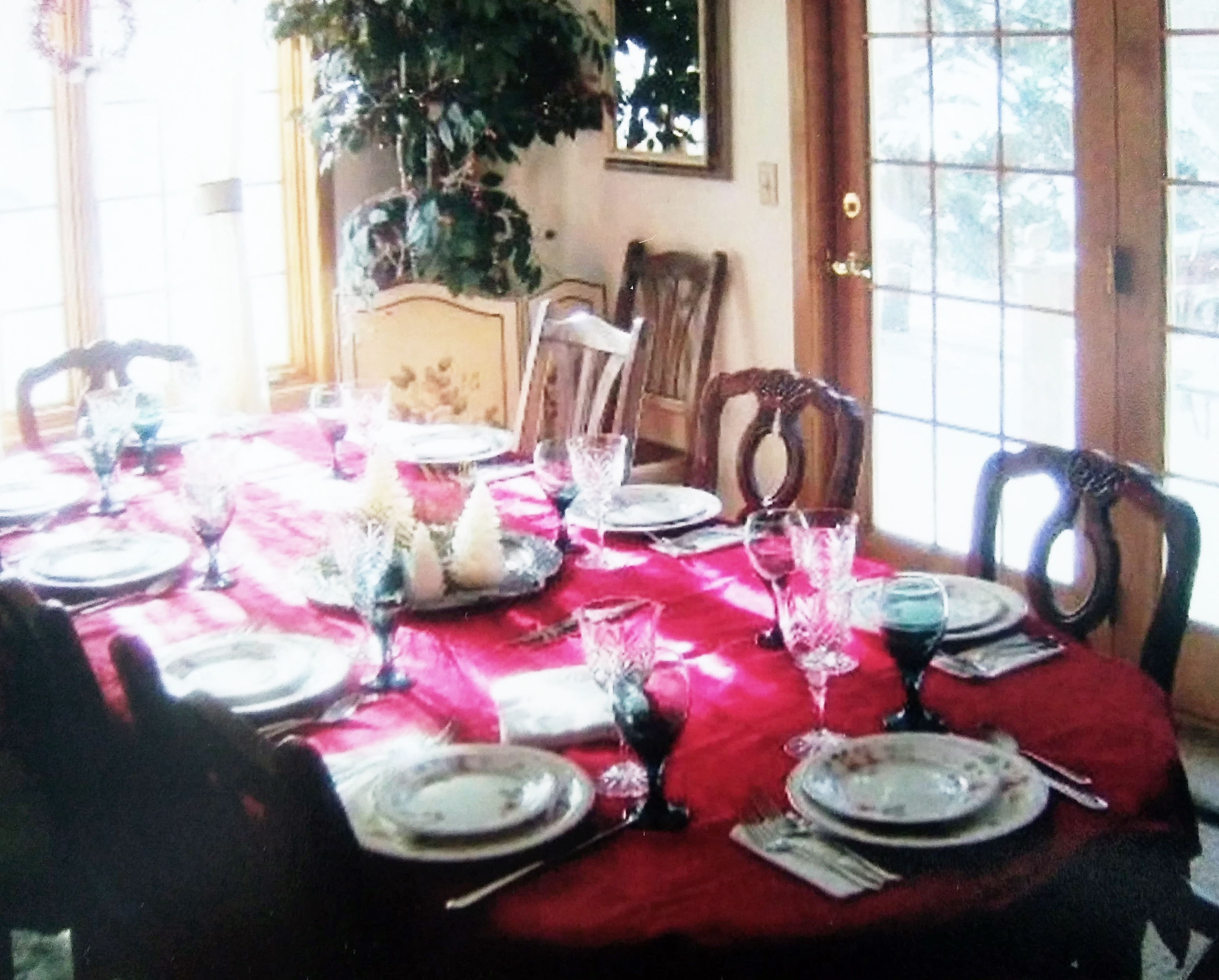 A photo to remember the way mom set up her dining room.