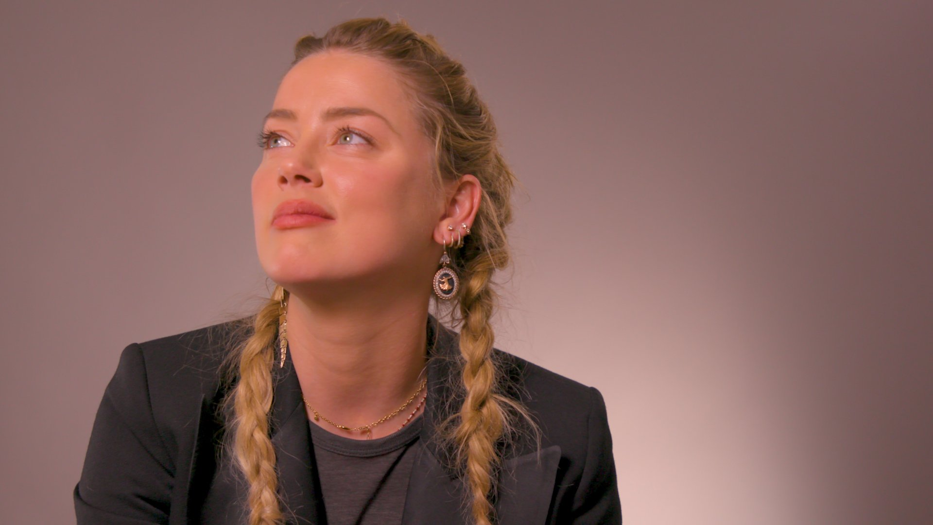 """Thrive Diary: Actress and Activist Amber Heard Shares How She Thrives Through Life's """"Sink or Swim"""" Moments"""