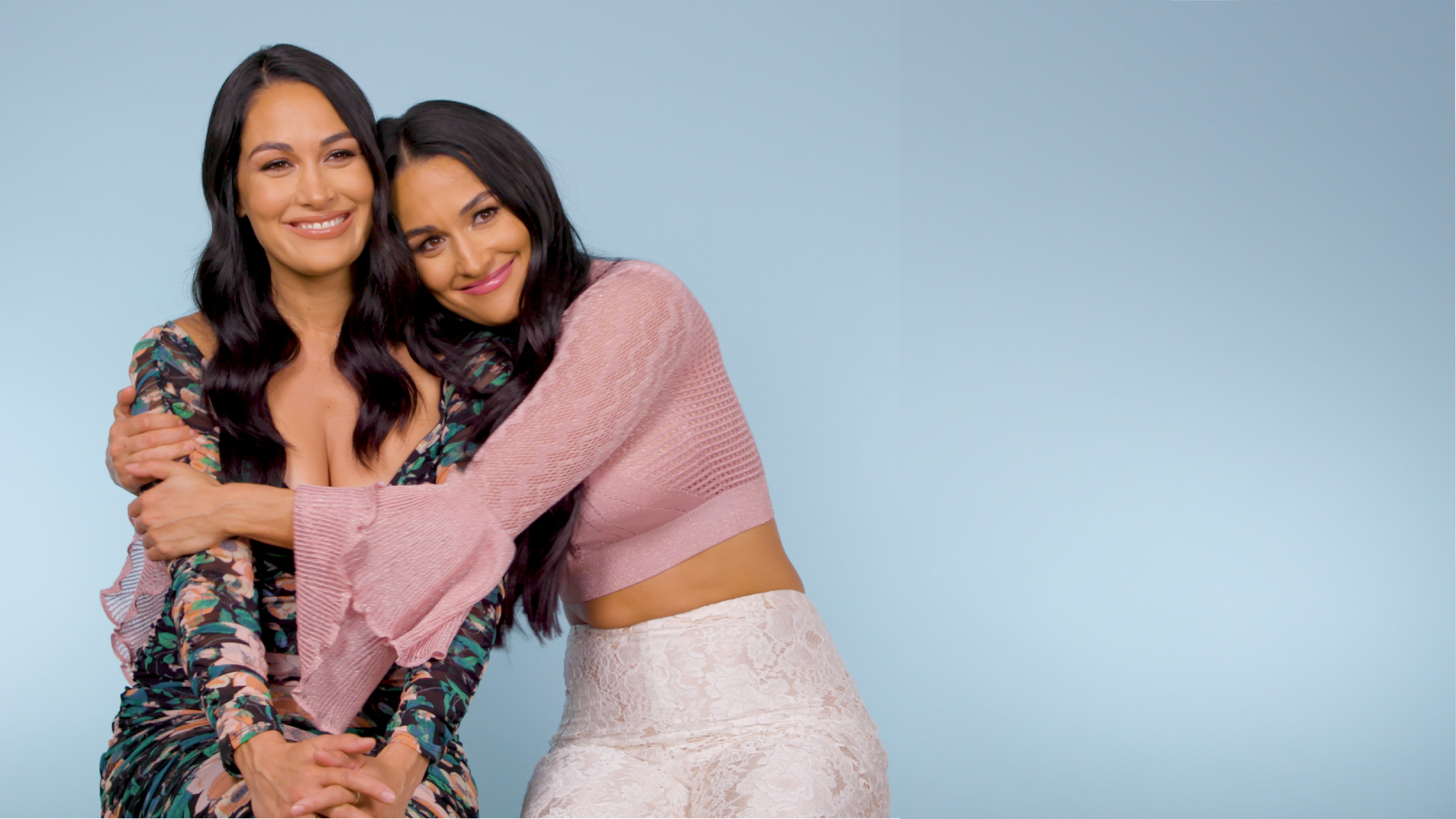 Bella Twins Thrive Diary