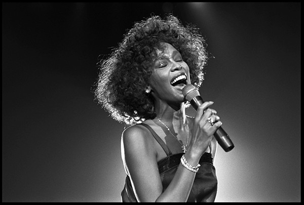 (https://www.chicagoreader.com/chicago/whitney-houston-can-i-be-me-documentary/Content?oid=28886329)