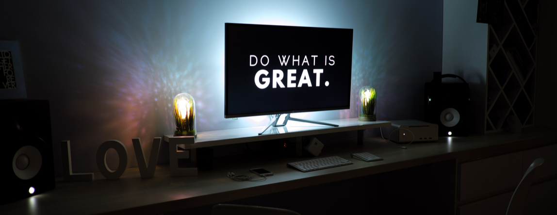"Computer reading ""Do What's Great."" Inspiration for Conscious Entrepreneurs."