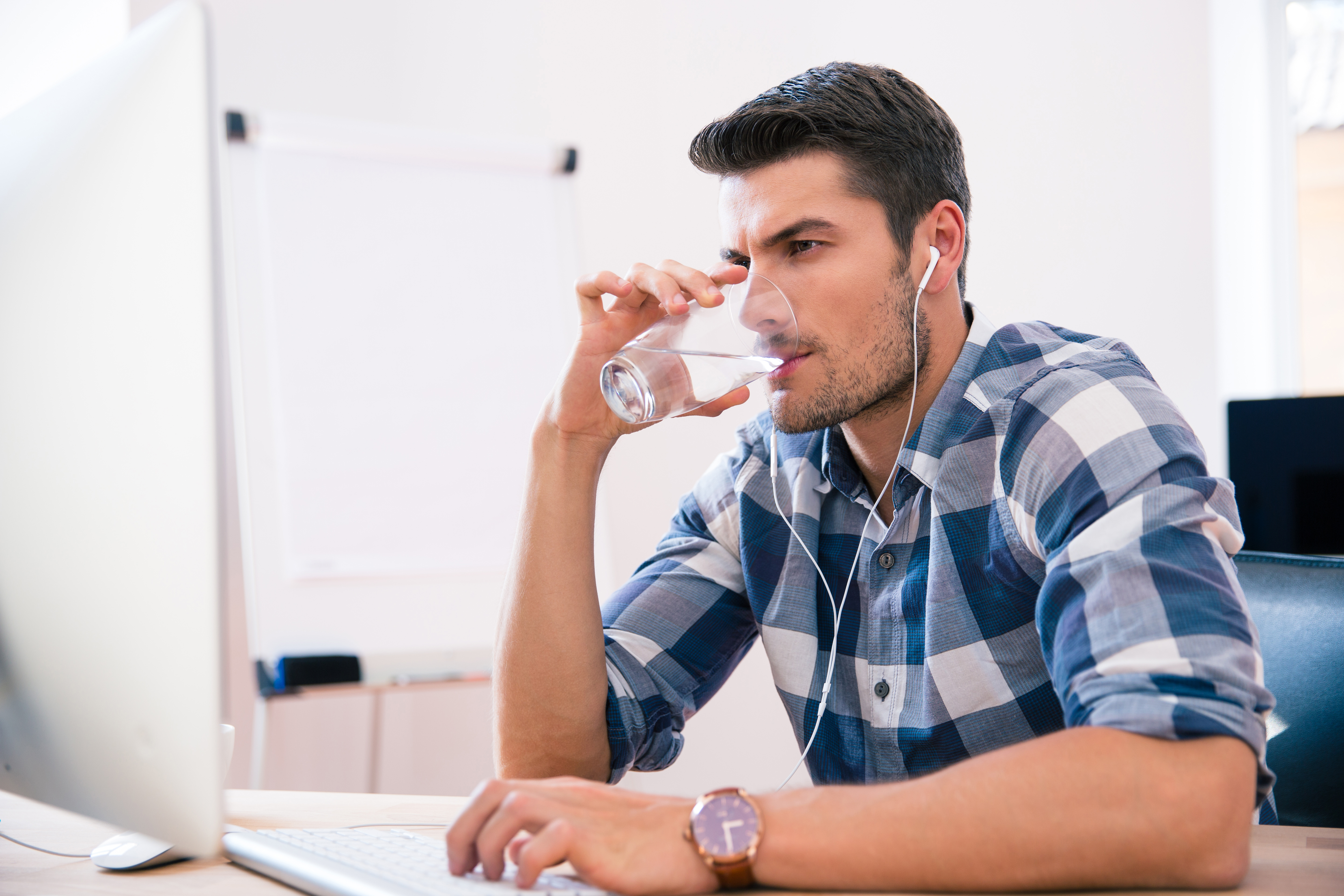 How Drinking Water Can Help Sustain Your Energy and Focus at Work