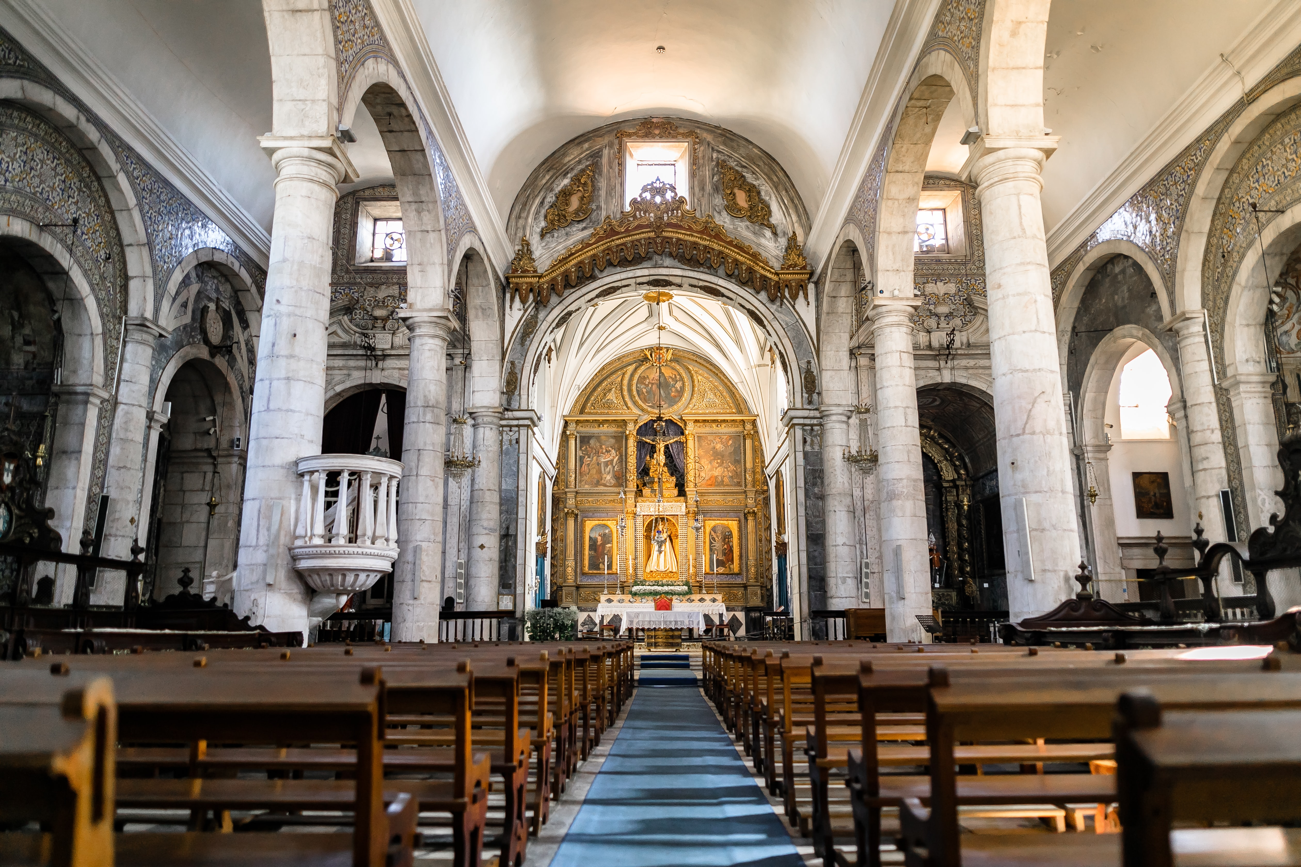 """Inside A Catherdral where Maini Homer used to """"pray"""""""