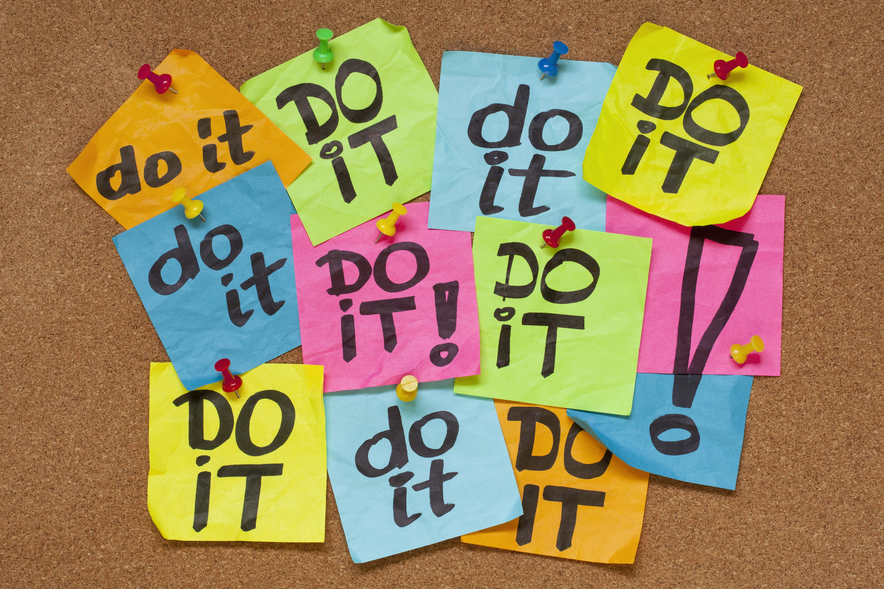fighting procrastination concept - do it phrase on color sticky notes posted on a cork bulletin board (CC by 2.0)