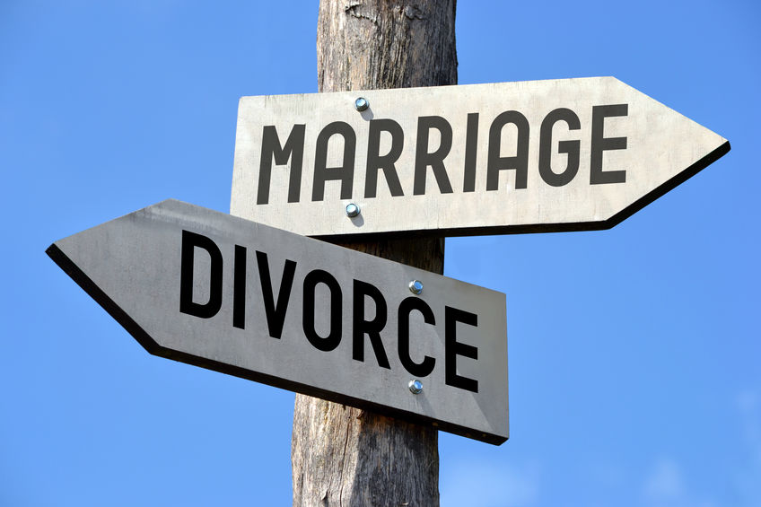 Marriage and divorce signpost