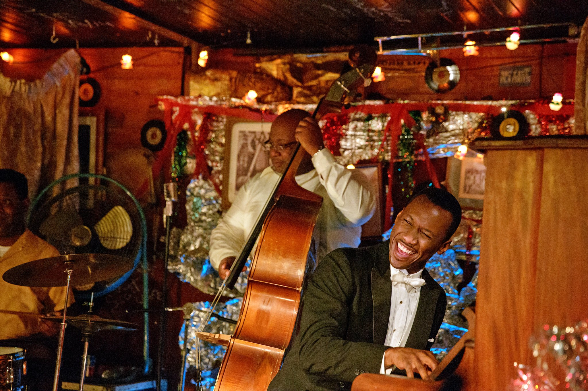 Mahershala Ali playing piano in the movie Green Book