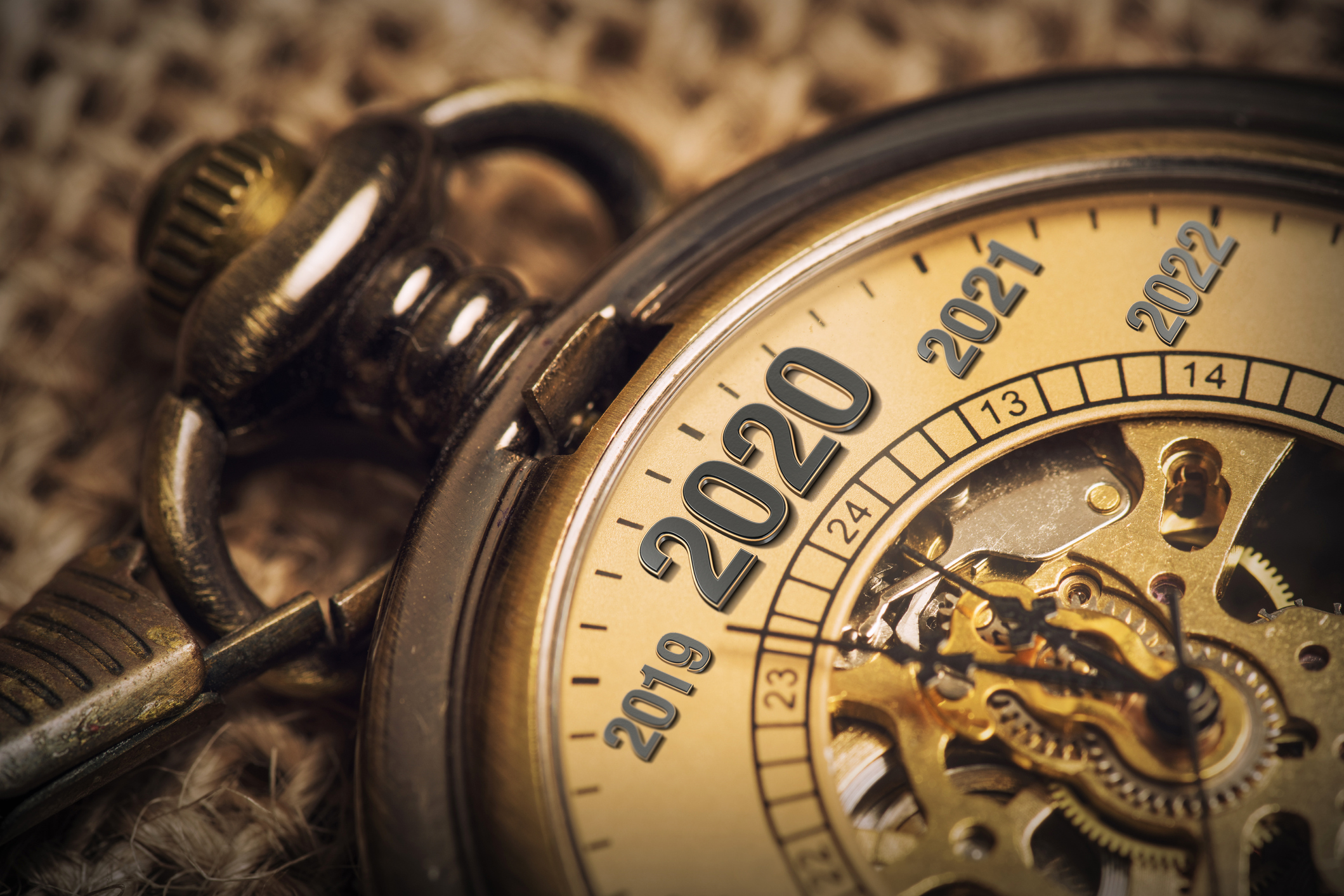 Expecting the new year 2020 with a metaphor of ticking pocket watch.
