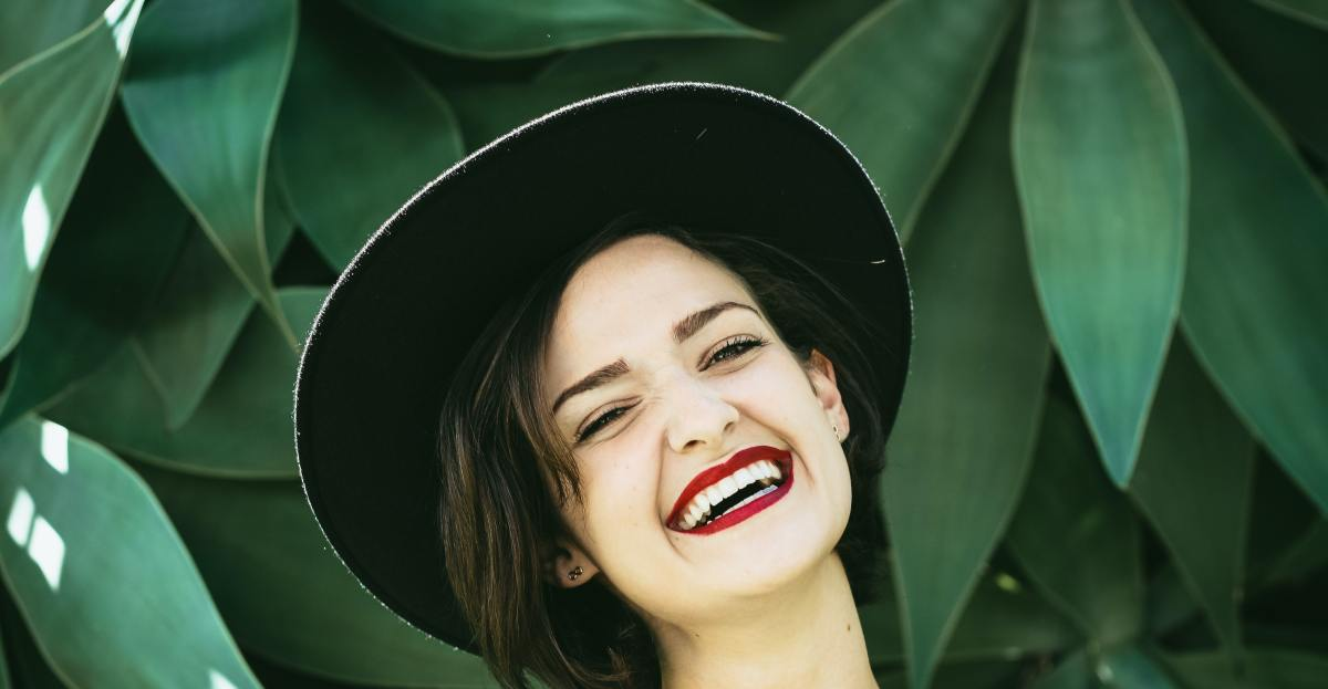 4 Tips To Keep Your Teeth Strong As You Age