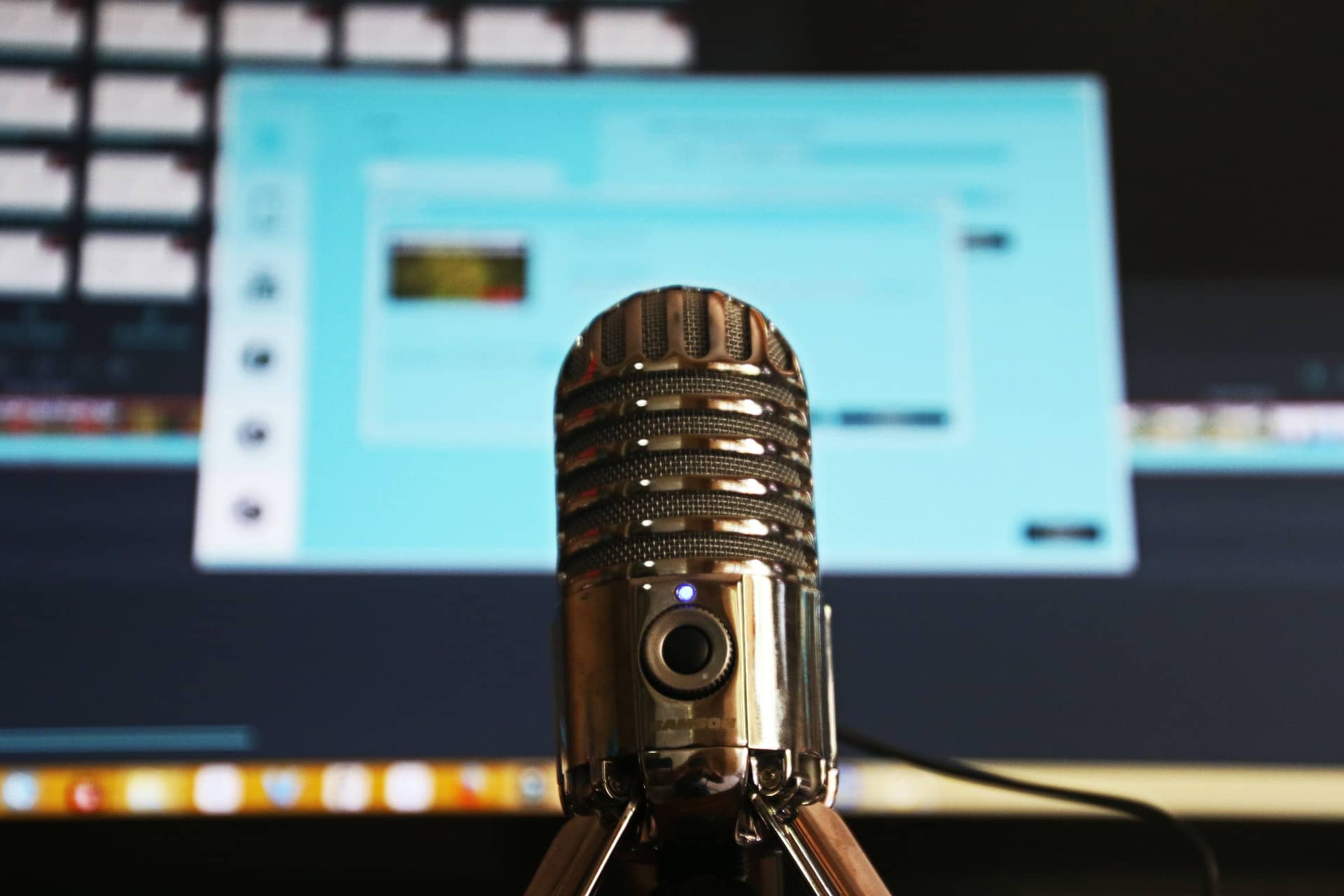 How to Choose the Right Podcast Topic - Barevalue