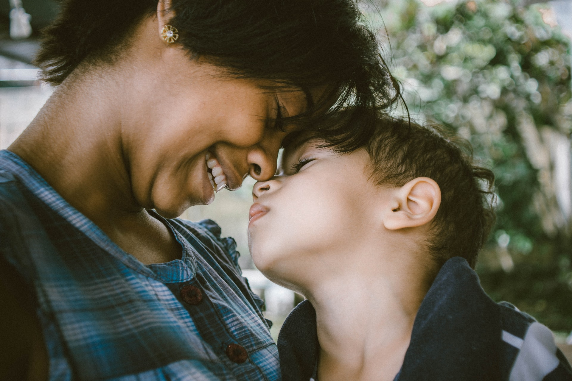 easy ways to show love to your child