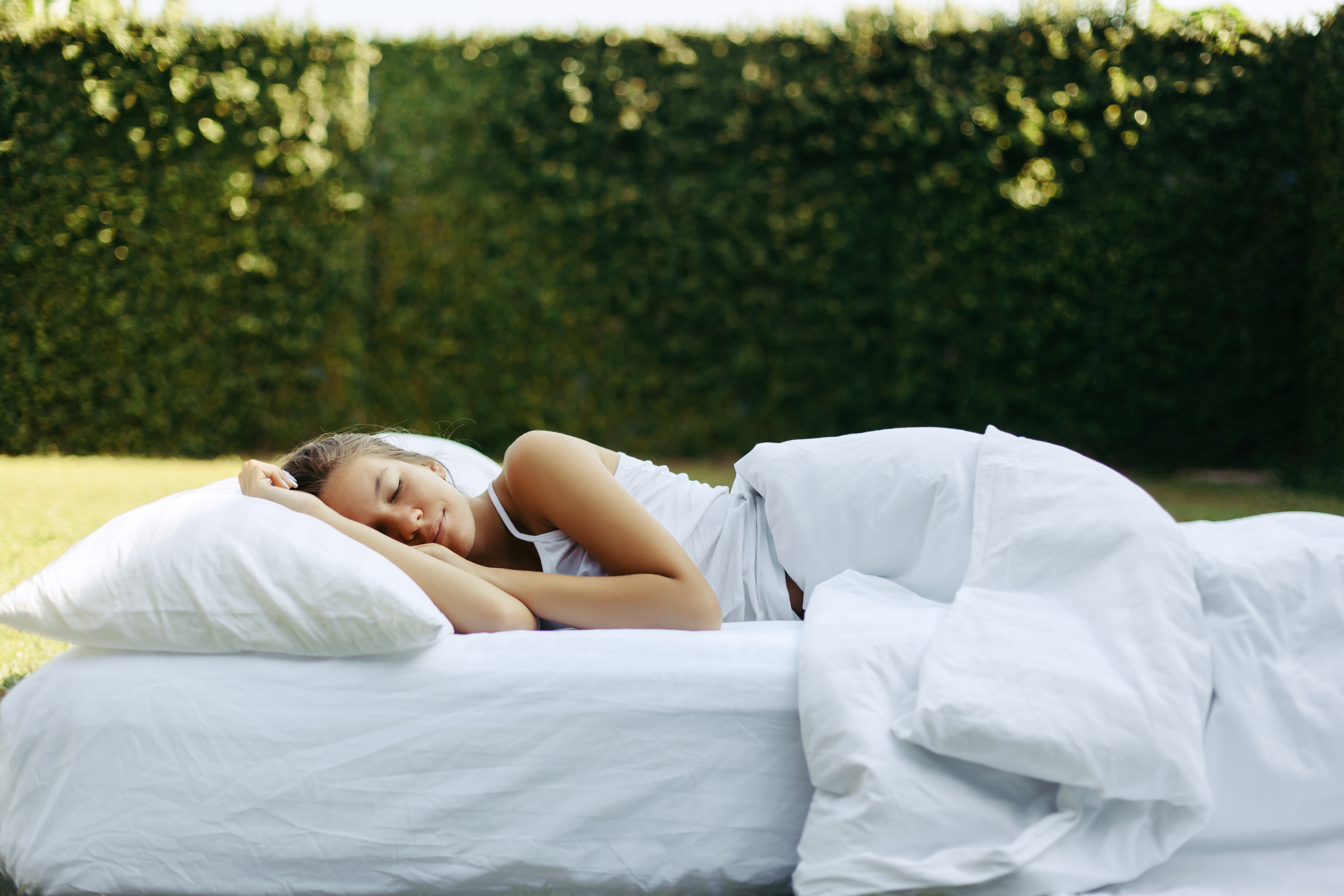 self hypnosis for sleep as solution for insomnia and for waking up in the middle of the night with insomnia