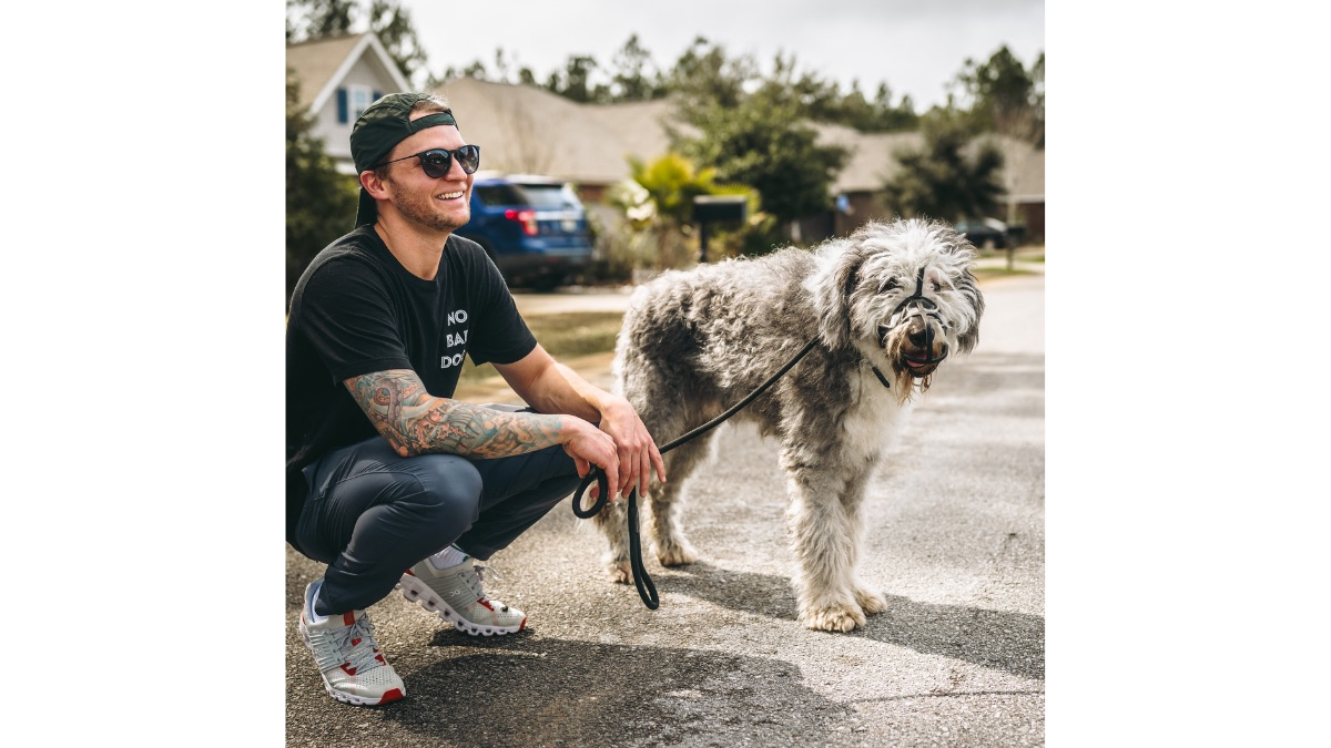 Tom Davis supports dogs and their owners throughout the country.