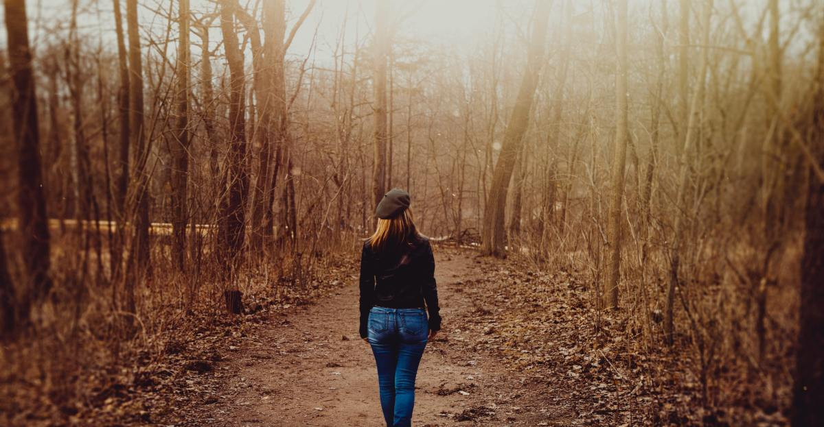 5 Insidious Thoughts Holding You Back In Midlife And How To Eliminate Them.