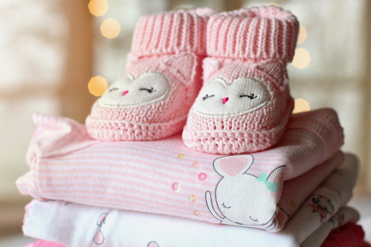baby-clothes-lady