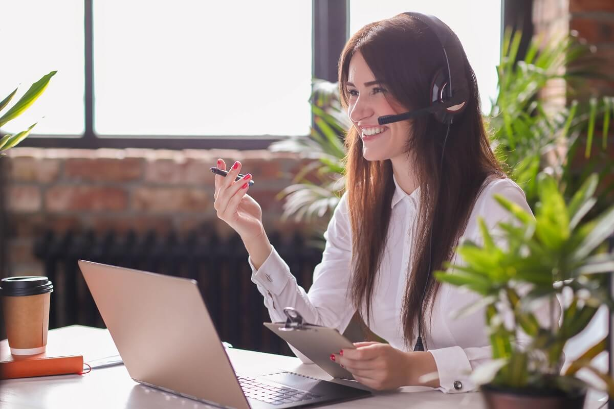 How to Stay Motivated and Friendly During Negative Customer Calls